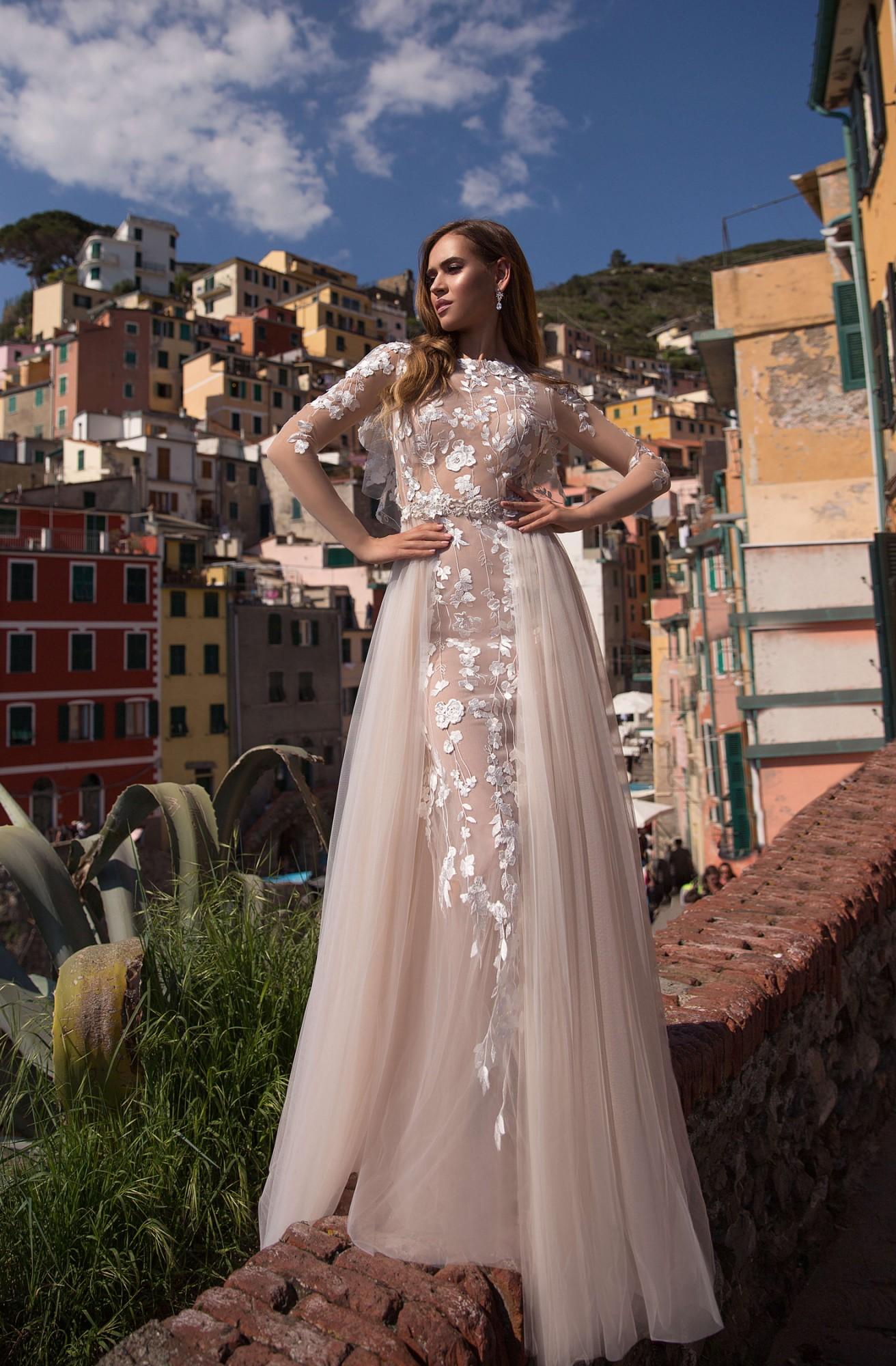 2484217f188 Брендовые свадебные платья в салоне Аврора