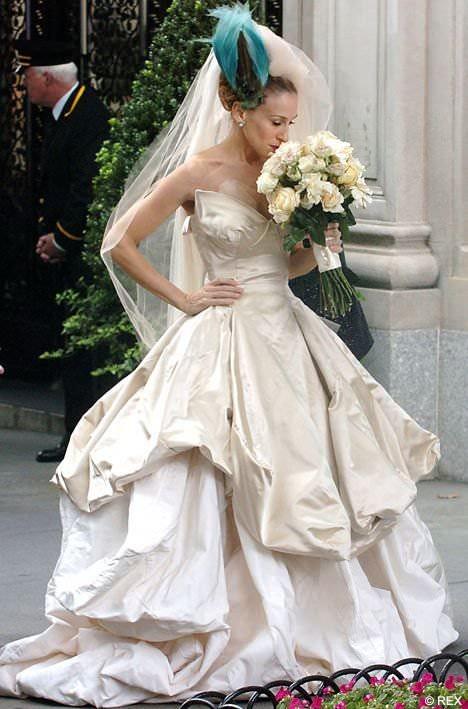 v-svadebnom-plate-seks-foto
